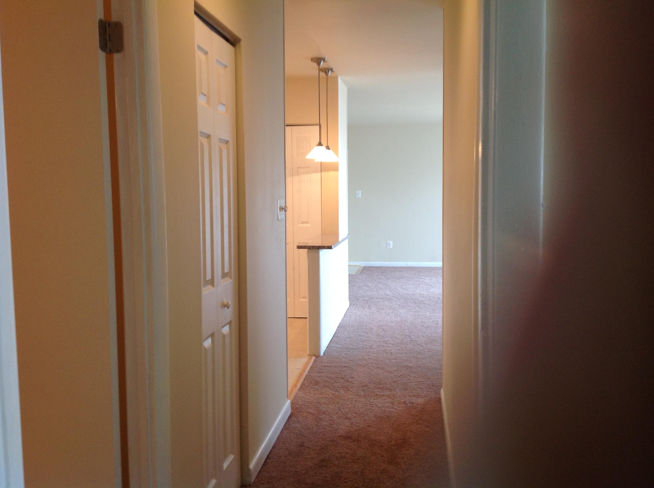 8404-101-Hallway-Area-1